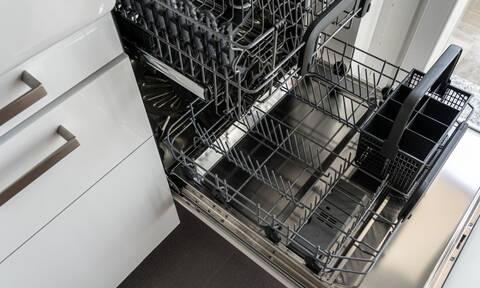 15 πράγματα που δε γνωρίζατε ότι μπορείτε να πλύνετε στο πλυντήριο πιάτων