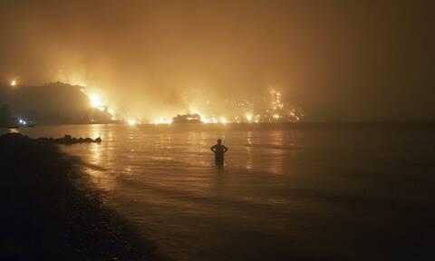 Απόκοσμη εικόνα από την Εύβοια που δοκιμάζεται από τις 3 Αυγούστου
