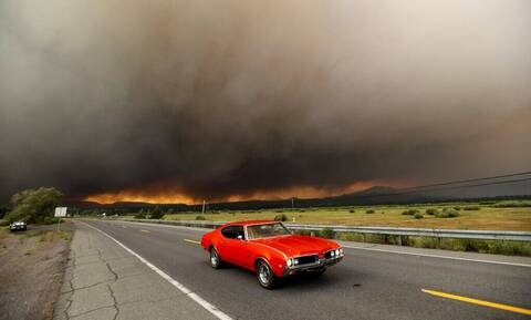 Φωτιές στις ΗΠΑ: Η πυρκαγιά «Ντίξι» έγινε η δεύτερη μεγαλύτερη στην ιστορία της Καλιφόρνιας