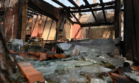 Φωτιές: Σε εξέλιξη οι έλεγχοι κτηρίων στις πυρόπληκτες περιοχές της Αττικής