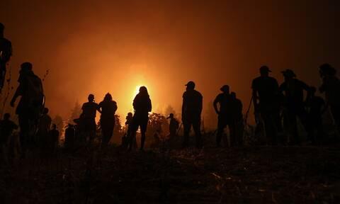 Φωτιές - Ηλεία: Αντιμέτωπες με συνεχείς αναζωπυρώσεις οι πυροσβεστικές δυνάμεις