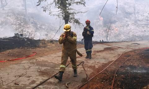 Φωτιά στην Αρκαδία: Στο νοσοκομείο τρεις τραυματίες πυροσβέστες