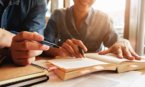Σπουδές: Οι παράγοντες που πρέπει να προσέχουμε πριν επιλέξουμε το μέλλον μας