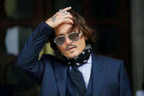 Τζόνι Ντεπ: Έντονες αντιδράσεις για την τιμητική βράβευση του ηθοποιού