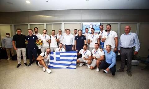 Εθνική Ελλάδας Πόλο: Αποθέωση για τους ασημένιους Ολυμπιονίκες στο «Ελευθέριος Βενιζέλος»