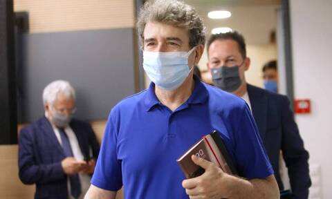 Κόντρα ΣΥΡΙΖΑ - Χρυσοχοΐδη για τις πυρκαγιές: «Ήμουν με τη μάνικα στο χέρι», απαντά ο Υπουργός