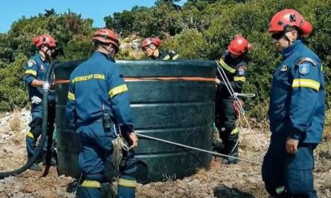 Πυροσβεστική: Τα «άγνωστα» πληρώματα helitack – Πώς επεμβαίνουν σε δυσπρόσιτες φωτιές