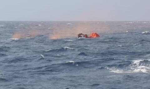Mήλος – Ναυάγιο: Συγκλονιστικές εικόνες της επιχείρησης διάσωσης των ναυαγών (pics - vid)