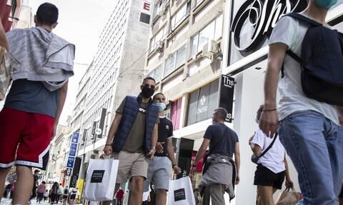 Eurostat: Οι νέοι στην Ελλάδα αργούν να φύγουν από το σπίτι των γονιών τους