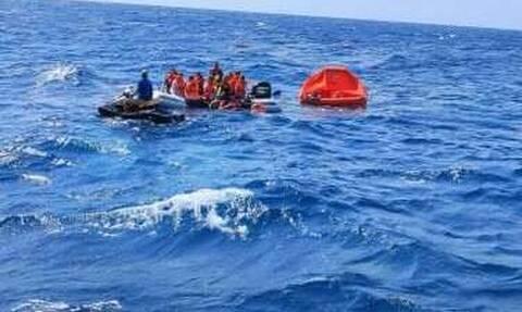 Ναυάγιο στη Μήλο: Καρέ - καρέ η διάσωση των 18 επιβαινόντων από το Seajet 2