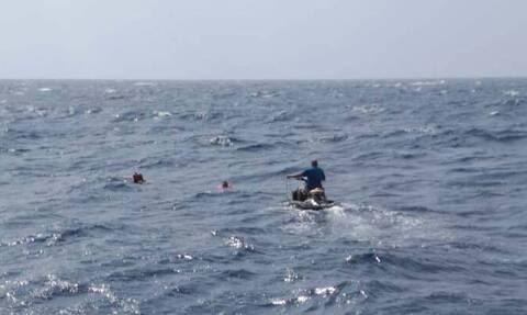 Μήλος: Βίντεο που κόβει την ανάσα από την διάσωση των ναυαγών της θαλαμηγού που βούλιαξε