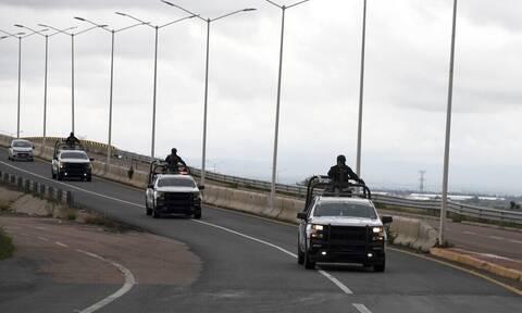 Φρίκη στο Μεξικό: Έξι πτώματα βρέθηκαν κρεμασμένα σε γέφυρα (ΣΚΛΗΡΕΣ ΕΙΚΟΝΕΣ)