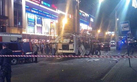 Ρωσία: Μία νεκρή και 18 τραυματίες από έκρηξη σε λεωφορείο στην πόλη Βορόνεζ - Συγκλονιστικά βίντεο