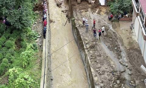 Τραγωδία στην Τουρκία από τις πλημμύρες – Αυξάνονται οι νεκροί