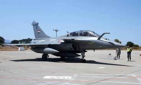 Πολεμική Αεροπορία: Φτερό με φτερό ελληνικά F-16 με αιγυπτιακά Rafale – Εκνευρισμός στην Άγκυρα