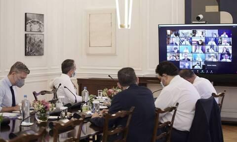 Премьер Греции провел перестановки в составе кабмина