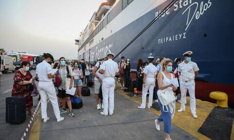 ΤΩΡΑ: Φεύγουν και οι… τελευταίοι απ' την Αθήνα – Χαμός σε λιμάνια, αεροδρόμιο, Εθνικές Οδούς
