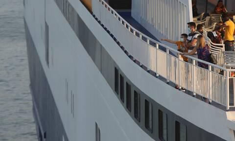 Κορονοϊός: Θετικά εφτά μέλη πληρώματος πλοίου που εκτελεί δρομολόγια για Σποράδες