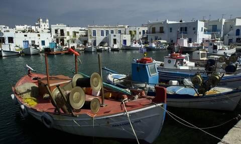 Πάρος: Το νησί που γίνεται «σημείο αναφοράς» του Αιγαίου κάθε καλοκαίρι