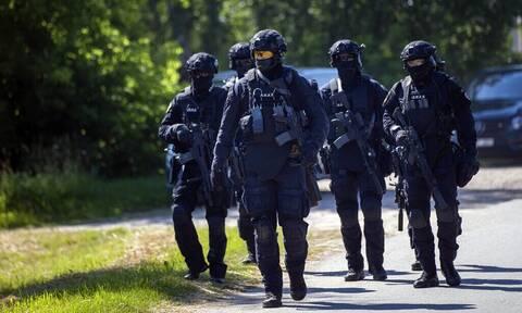 Η Λιθουανία αναπτύσσει στρατό στα σύνορα με τη Λευκορωσία