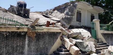 Σεισμός – Αϊτή: Στους 29 οι νεκροί- «Πολλοί θάνατοι, τεράστιες ζημιές», δηλώνει ο πρωθυπουργός