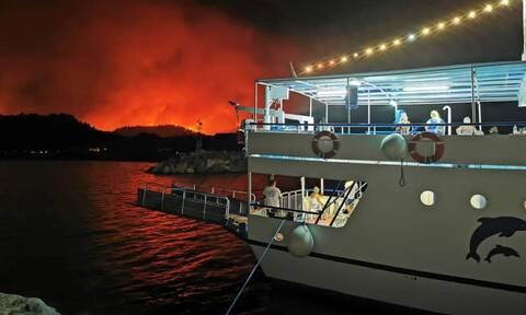 Εύβοια: Συγκλονιστικές περιγραφές καπετάνιου που διέσωσε κατοίκους - «Μια κόλαση φωτιάς»