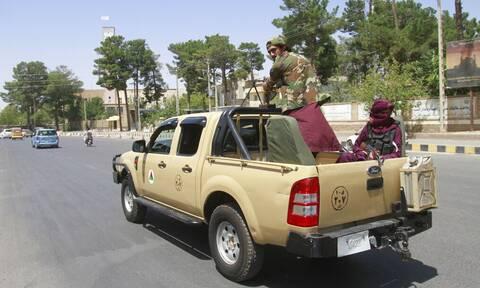 Αφγανιστάν: Στα χέρια των Ταλιμπάν το προεδρικό μέγαρο