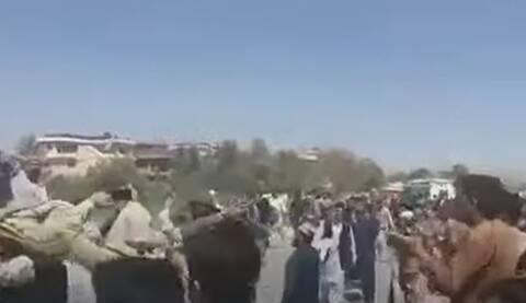 Αφγανιστάν: Η στιγμή που οι Ταλιμπάν απελευθερώνουν ισλαμιστές από φυλακή της Καμπούλ