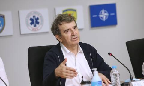 Φωτιές στην Ελλάδα - LIVE Έκτακτη ενημέρωση από τον υπουργό Προστασίας του Πολίτη, Μιχάλη Χρυσοχοΐδη