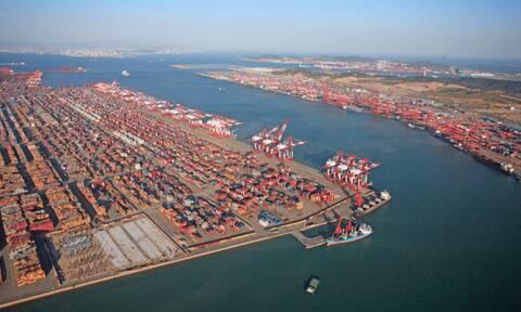 Σε μίνι lockdown μεγάλα λιμάνια -  Μεγάλες καθυστερήσεις στις παραδόσεις προϊόντων