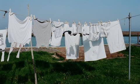 Γιατί να χρησιμοποιήσετε μαγειρική σόδα στο πλύσιμο των ρούχων