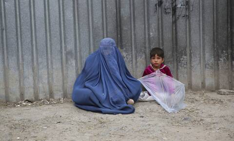 Μαρτυρία-σοκ από το Αφγανιστάν: Ταλιμπάν σκότωσαν τη μητέρα μου γιατί δεν μπόρεσε να τους μαγειρέψει