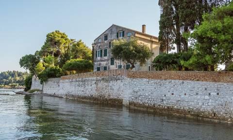 Από το Mamma Mia στην Σκόπελο, στην Κέρκυρα των Durells – Όταν η Ελλάδα γίνεται φυσικό σκηνικό