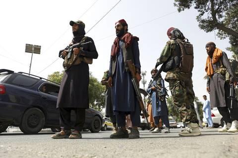Αφγανιστάν: Ταλιμπάν άνοιξαν πυρ εναντίον πολιτών που ύψωσαν ξανά τη σημαία της χώρας - Δύο νεκροί
