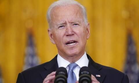 Μπάιντεν: Αναπόφευκτο η αποχώρηση του στρατού των ΗΠΑ να δημιουργήσει «χάος»