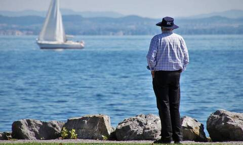 Όρια ηλικίας συνταξιοδότησης: «Εγκλωβισμένοι» θα παραμείνουν χιλιάδες ασφαλισμένοι