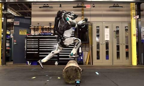 Έφτιαξαν ρομπότ που κάνουν καλύτερο parkour από τους ανθρώπους!
