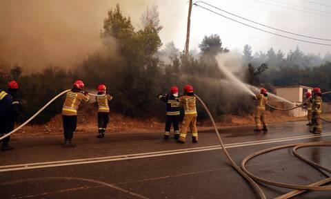 Φωτιά στα Βίλια για τέταρτη ημέρα