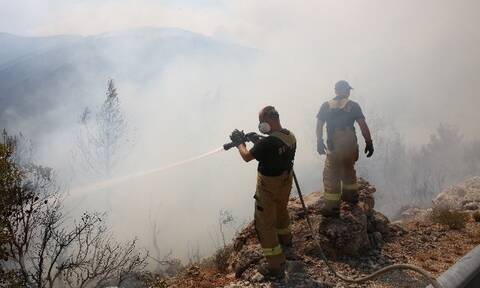 Vilia wildfire reaching villages of Inoi and Panorama