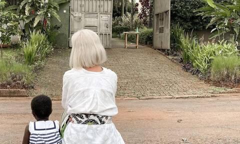 Χριστίνα Κοντοβά: Ποζάρει αγκαλιά με την ανάδοχη κόρη της και «λιώνει» το Instagram