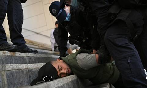 Αυστραλία: Βίαια επεισόδια μεταξύ αστυνομίας και διαδηλωτών κατά του lockdown
