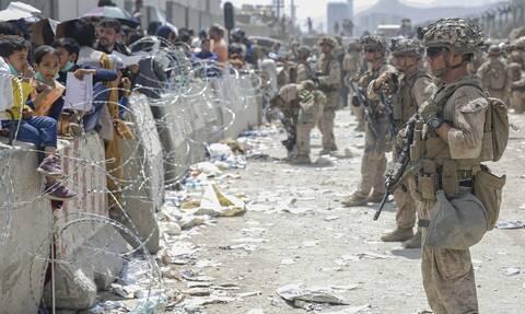 Χάος στο αεροδρόμιο της Καμπούλ