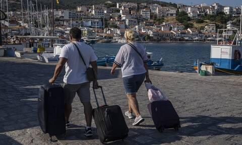 SZ: Η Ελλάδα δεκαπλασίασε τα έσοδά της από τον τουρισμό