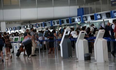 Αεροπορική οδηγία: Παράταση μέχρι 30 Αυγούστου για νησιά - Τι ισχύει με rapid test κι εμβολιασμένους
