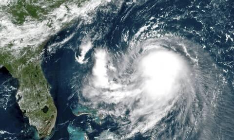 Συναγερμός στις ΗΠΑ: Πλησιάζει τις ανατολικές ακτές η τροπική καταιγίδα «Χένρι»