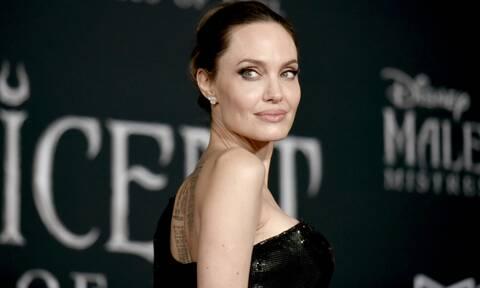 Στο νοσοκομείο η Angelina Jolie – Οι φωτογραφίες στην αγκαλιά των παιδιών της