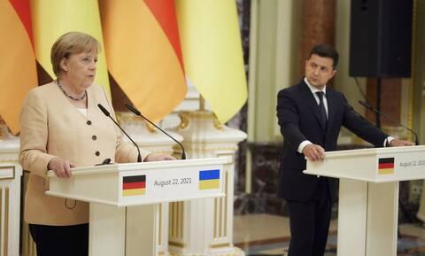 Ζελένσκι σε Μέρκελ: Ο αγωγός Nord Stream 2 είναι ένα επικίνδυνο γεωπολιτικό όπλο της Ρωσίας