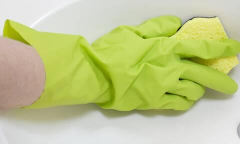 Πέντε χρήσεις της αμμωνίας στην καθαριότητα του σπιτιού