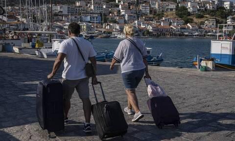 Μόλις 1 εκατομμύριο τουρίστες επισκέφτηκαν την Ελλάδα τον Ιούνιο
