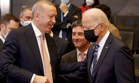 Ελληνοτουρκικά: Γιατί ο Ερντογάν αισθάνεται πιο ισχυρός με τον Μπάιντεν